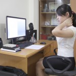 Điều trị đau vai gáy cổvới những động tác đơn giản